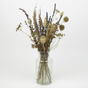 dried lavender bouquet vase