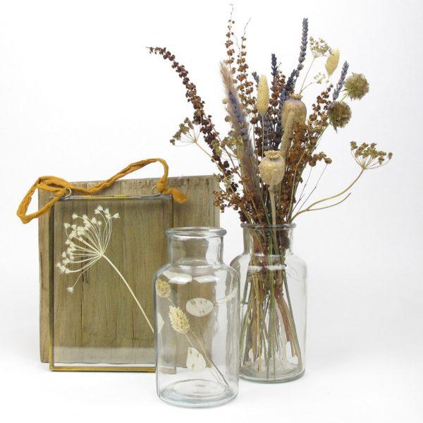 nkuku frame dried flower bouquet