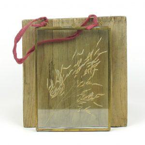 nkuku frame dried munni grass